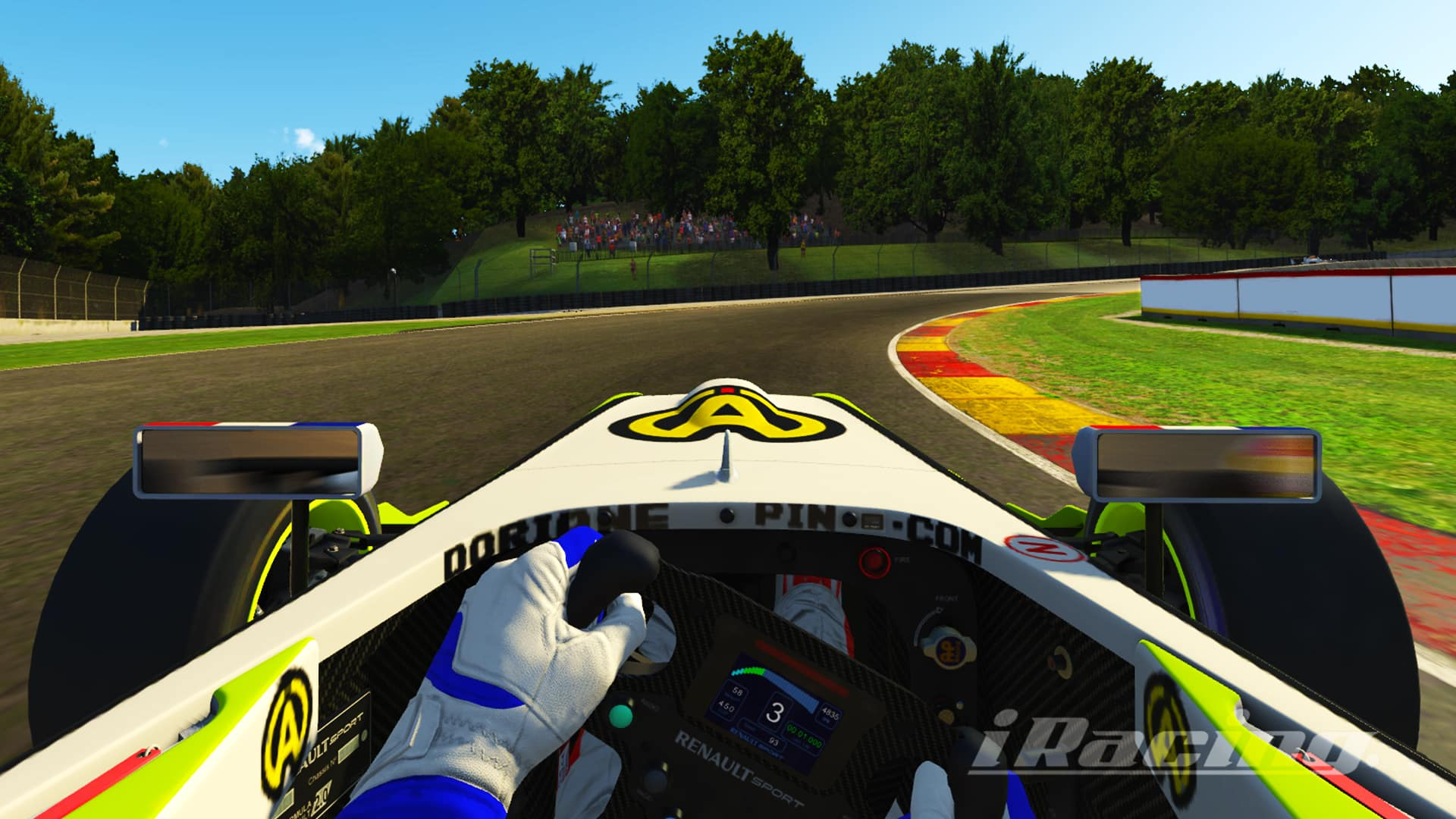 Doriane Pin drives her Formule Renault 2.0 on iRacing, cockpit view